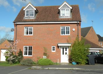 Thumbnail 5 bed detached house to rent in Walker Grove, Hatfield, Hertfordshire
