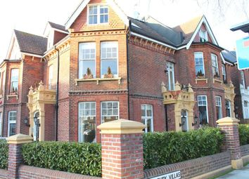 Thumbnail 1 bedroom flat to rent in Wilbury Villas, Hove