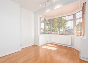 Third Close, West Molesey KT8. Studio to rent