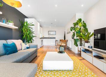 Barrington Road, Brixton, London SW9. 2 bed flat for sale