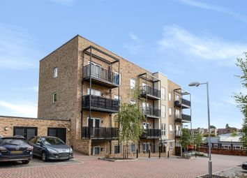 Thumbnail 2 bedroom flat for sale in Red Kite House, Reading