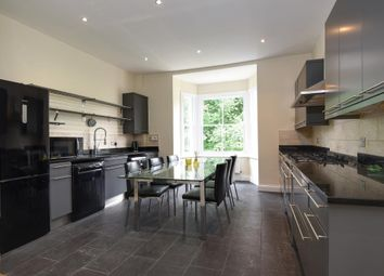 Thumbnail 2 bedroom flat to rent in Bath Road, Taplow