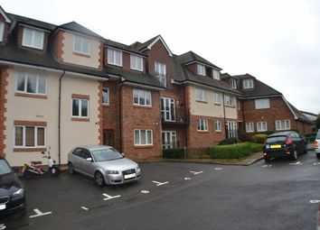 Thumbnail 2 bed flat to rent in Brook Road, Redhill