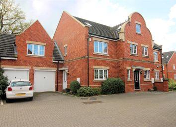 4 bed town house to rent in Derisley Close, Byfleet, West Byfleet KT14