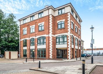 Thumbnail 2 bed flat for sale in Corner Hall, Hemel Hempstead