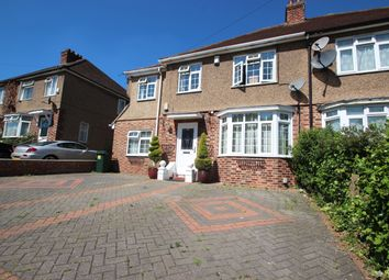 Thumbnail 5 bed detached house to rent in Chairborough Road, High Wycombe