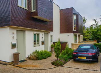 Pembroke Gardens, London SW14. 1 bed flat for sale