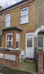 3 bed property for sale in Shakespeare Road, London E17
