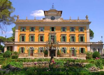 Thumbnail 13 bed villa for sale in Perugia, Umbria, Italy