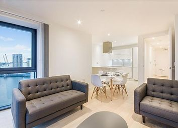 Thumbnail 1 bed flat to rent in Horizons Tower, Nr Canary Wharf, London