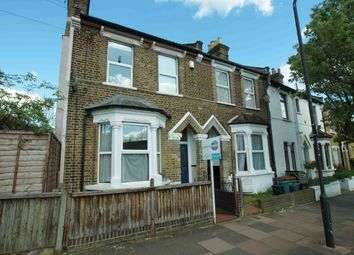 Thumbnail 1 bed flat to rent in Linden Grove, London