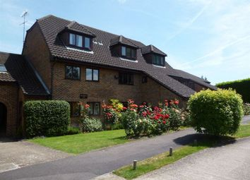 Thumbnail 2 bedroom flat to rent in Wiltshire Drive, Wokingham