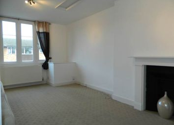 Thumbnail 2 bed flat to rent in The Avenue, Lower Sunbury, Middlesex