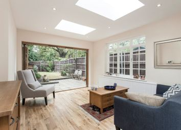 Thumbnail 1 bed cottage for sale in Kings Avenue, Clapham
