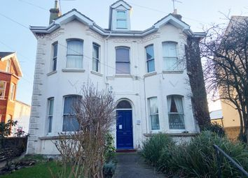 Flat 1, 135 Park Road, Worthing, West Sussex BN11. 1 bed flat for sale