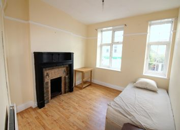 Thumbnail 4 bed flat to rent in Wick Road, Hackney