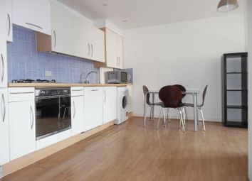Room to rent in Follett Street, London E14