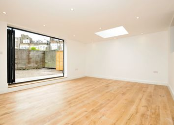 Thumbnail 2 bed flat to rent in Moundfield Road, London