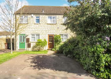 2 bed terraced house for sale in Avocet Way, Bicester OX26
