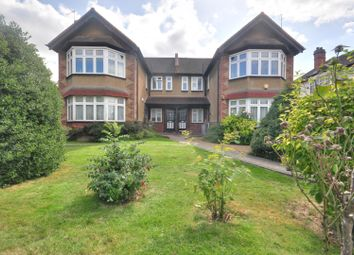 2 bed maisonette to rent in West End Court, Pinner, Middlesex HA5