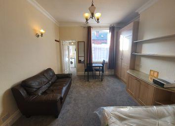 Thumbnail Studio to rent in Park Mount, Kirkstall, Leeds