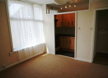Thumbnail 1 bed flat to rent in Ulalia Road, Newquay