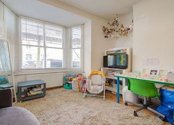 Thumbnail 1 bed flat to rent in Alexander Road, London