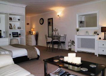 Thumbnail Studio to rent in Buckingham Road, Hampton
