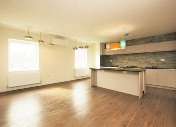 Thumbnail 3 bedroom flat to rent in Glebe Crescent, London