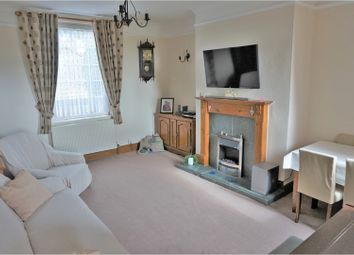 Thumbnail 2 bedroom terraced house for sale in Barnsley Road, Wakefield
