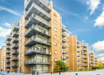 Thumbnail 1 bed flat to rent in Lowry House, Cassilis Road, Canary Wharf