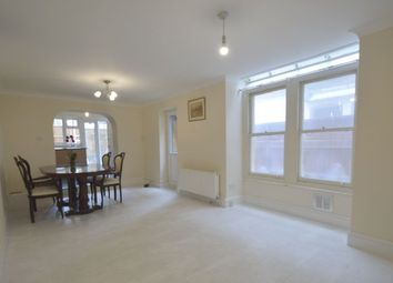 Thumbnail 2 bed property to rent in Davisville Road, London