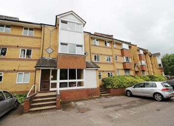 2 bed flat to rent in Armour Hill, Tilehurst, Reading RG31