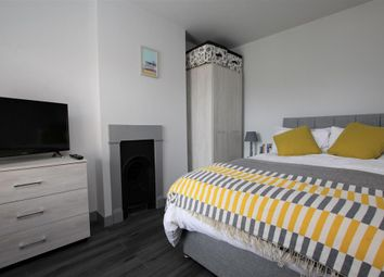 Thumbnail 1 bed flat to rent in Queen Street, Leighton Buzzard