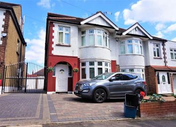 4 bed semi-detached house to rent in Summit Drive, Woodford Green, Essex. IG8