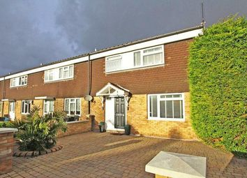 3 bed property for sale in Roundhills, Waltham Abbey EN9