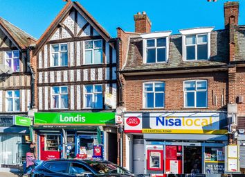 Thumbnail 2 bedroom flat for sale in Central Road, Worcester Park