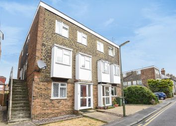 2 bed maisonette to rent in Drummond Road, Guildford GU1