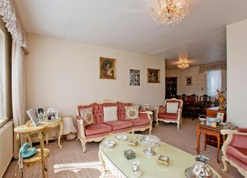 Thumbnail 2 bed flat for sale in Bridge Lane, Golders Green