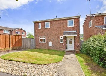 Thumbnail 3 bed detached house for sale in Kestrel Close, Clanfield, Hampshire