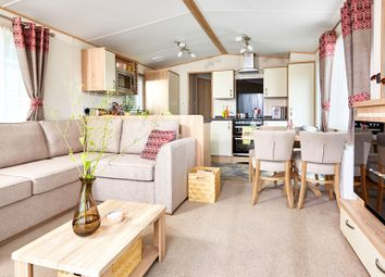 Thumbnail 2 bed mobile/park home for sale in Sway Road, New Milton, Hampshire