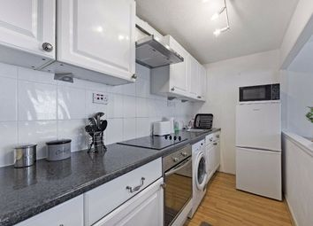1 bed property to rent in College Gardens, London SW17