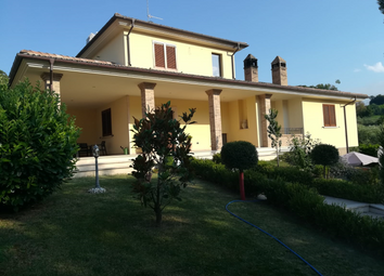 Thumbnail 4 bed country house for sale in Torricella Sicura, Teramo, Abruzzo, Italy