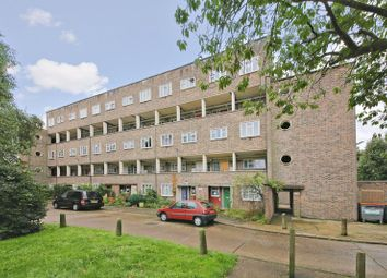 Thumbnail 3 bed flat for sale in Oakleigh Park North, London