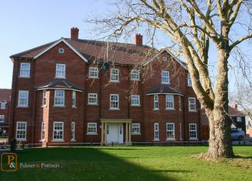 2 bed flat to rent in Eltham Close, Colchester, Essex CO2