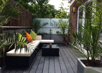 Thumbnail 1 bed flat to rent in Gallery Court, 28 Arcadia Avenue, Finchley, London