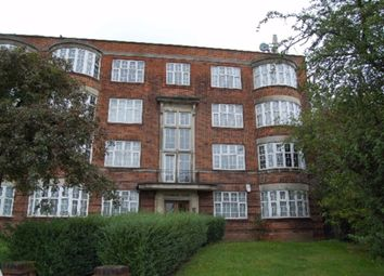 3 bed flat to rent in The Burroughs, Hendon, London NW4