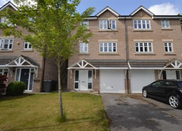 3 bed semi-detached house to rent in Crag View, Greengates, Bradford BD10