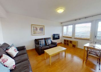 2 bed flat to rent in Marischal Court, Aberdeen AB11