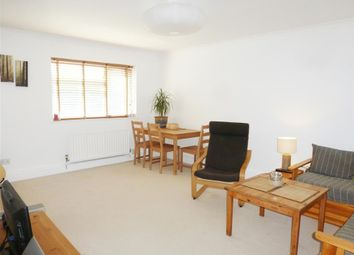 Thumbnail 2 bed flat to rent in Bayford Close, Hemel Hempstead